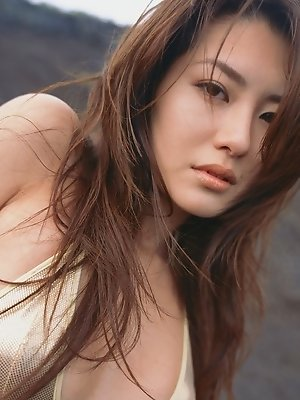 Gorgeous gravure idol seductress teases with her perfect body